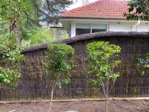 pool-fence-with-brush-panels